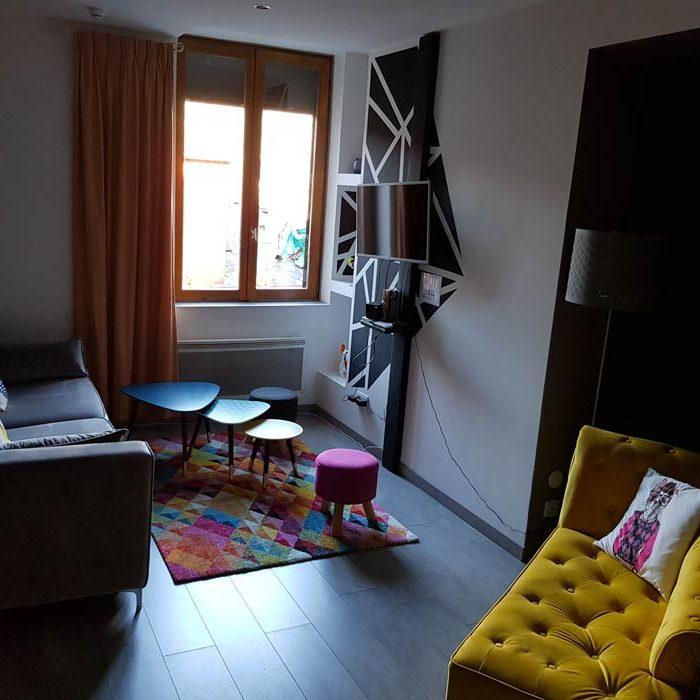 Au détour de Gournay à Gournay-en-Bray vue salon appart'hôtel