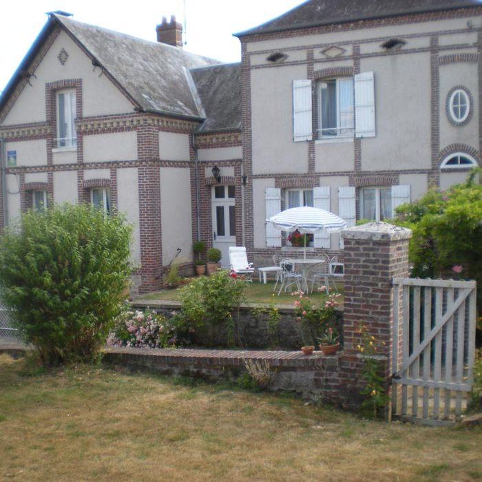 Vue extérieure La Ferme de William à Dampierre-en-Bray chambre d'hôtes